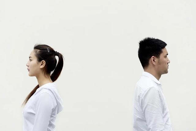 pasangan yang bertengkar