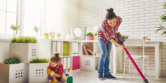 membersihkan rumah adalah kegiatan positif dan menyenangkan