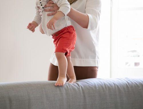 anak belajar berjalan tanpa merangkak dulu