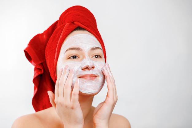 scrub wajah untuk mencerahkan wajah