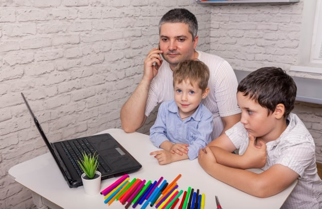 suami terbiasa menjaga anak adalah fakta anak pertama menikah dengan anak pertama