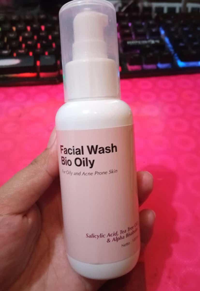 Treecos Facial Wash Bio Oily skincare untuk kulit berminyak dan berjerawat
