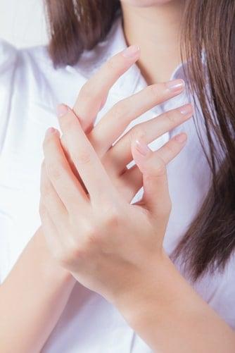 cara mencerahkan kulit tubuh secara alami